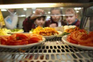 Обязательное питание в школах 2018: в Раде зарегистрировали законопроект