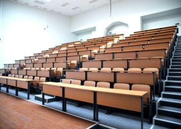 Образование за рубежом. Какие специальности в вузах Польши потеряли право на проведение научных работ